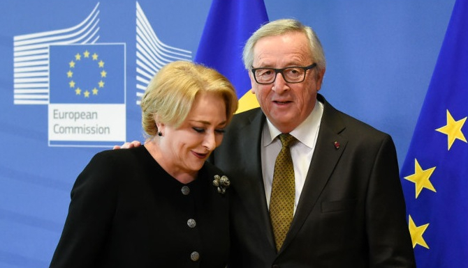 """Juncker: """"Ne-au tras-o românii. Noi le-am dat mâncare proastă, ei ne-o dau pe Viorica!"""""""