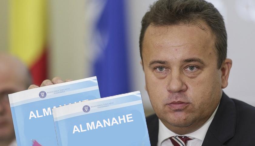 Liviu Pop a înlocuit manualul de gramatică cu doo almanahe!