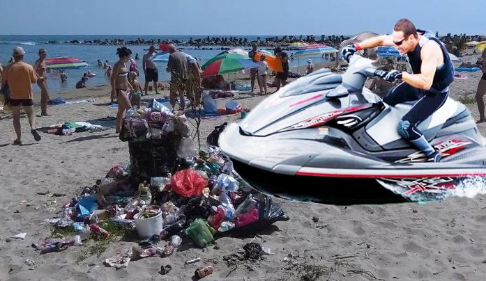 O nouă distracție pe plaja din Mamaia: skijeg-ul!