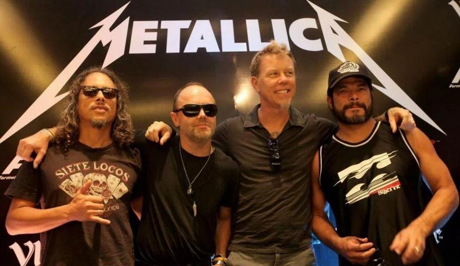 Nu mai sunt bilete la Metallica. Le-au luat homosexualii și drogații pe toate!