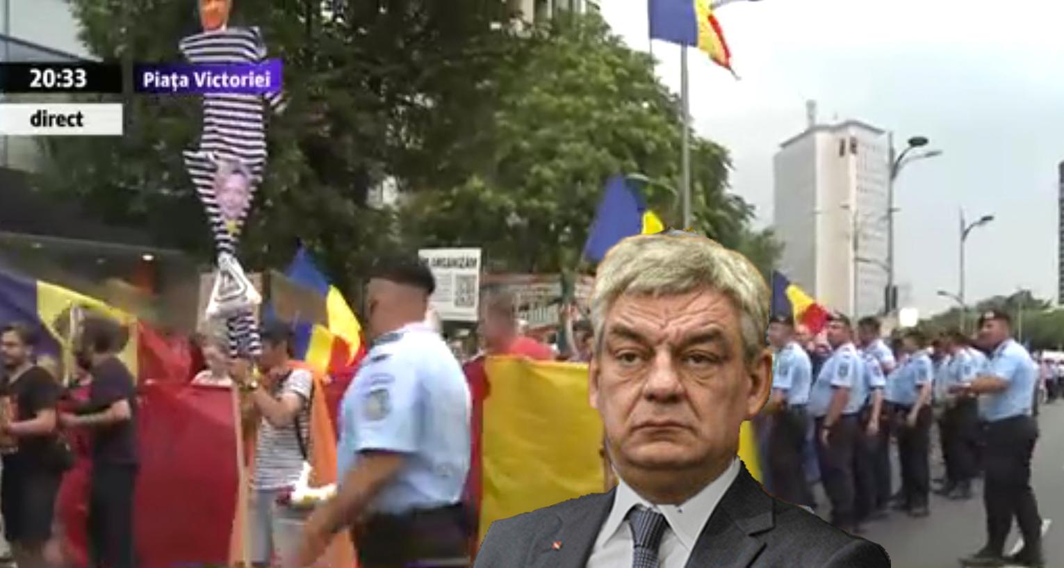Mihai Tudose a ieșit la protest! Se zvonește că se dau 50 de lei de om, 30 de lei de câine și o juma' de votcă de premier