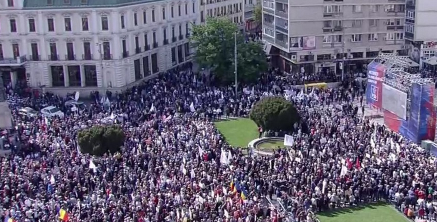 98% dintre cei de la mitingul PSD de la Iașicred că au fost adușila moaște