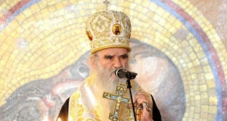 Mitropolitul Muntenegrului, care spunea că pelerinajele sunt vaccinul lui Dumnezeu, a murit din cauza Covid! A fost un caz banal de supradoză de vaccin