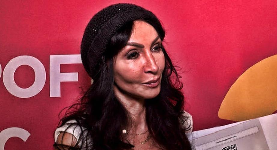 Mihaelei Rădulescu nu îi este frică de virus - nu atacă plasticul!