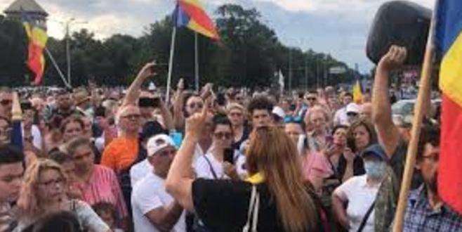 200 de protestatari susțin că nu există Covid. Free Spartacus!