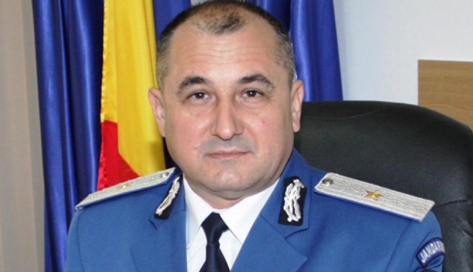Noul șef al Jandarmeriei a fost prelucrător prin așchiere. Ăsta când dă cu pulanul nu îți sparge capul, ci ți-l rașchetează!