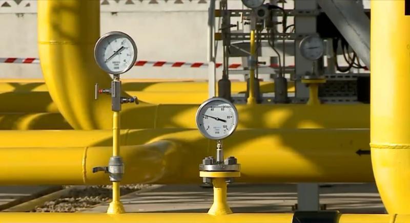 Să ai gaz în țara ta, să îl vinzi pe nimic și să cumperi gaz scump de la ruși - asta înseamnă să fii român!