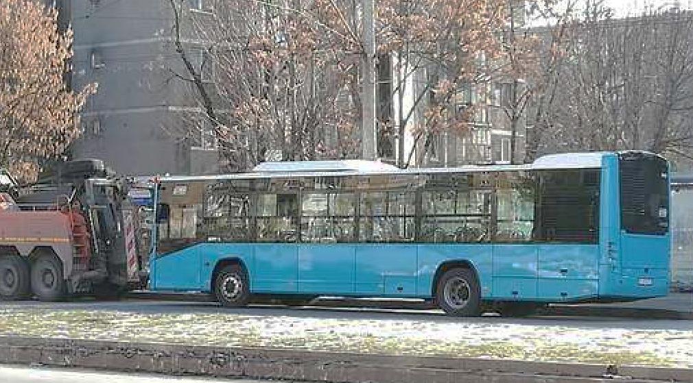 Bucureșteni, vă pișați pe voi de frig în autobuz? E din cauză că v-ați pișatpe el de vot!