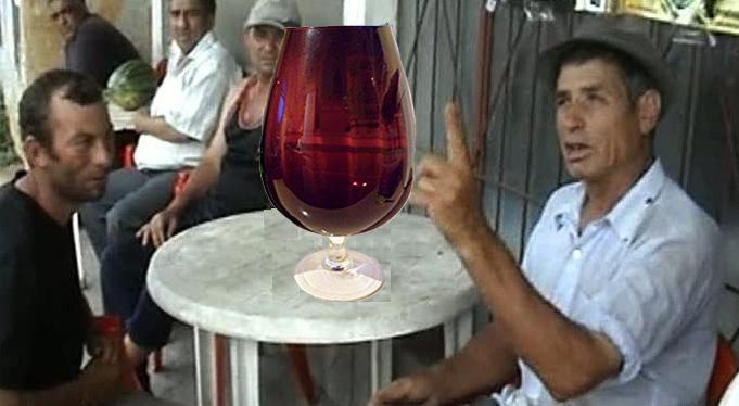În Moldova a apărut paharul de 3 litri jumate, pentru că un pahar de vin pe zi e sănătate!