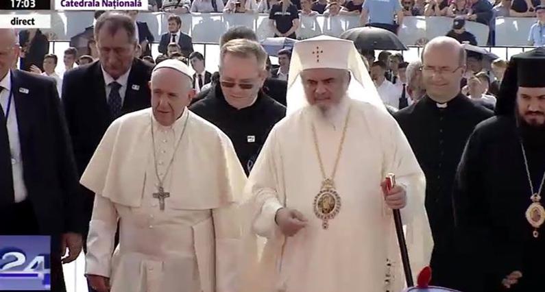 Papa lanț argint, Dani aur… Altăclasă!