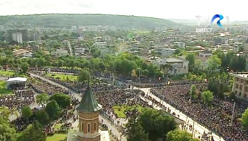 Papa, miting eșuat la Iași: fără mici, fără manele, fără jandarmi agresivi. Codrine, arată-i tu cum se face!