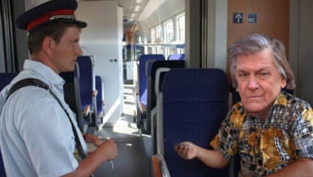 Trenul Cluj-Bucureşti întârziat atât de mult încât Florin Piersic a rămas fără subiecte pe durata călătoriei!