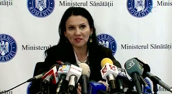 """Ministrul Sănătății: """"Bucureștenii care urinează alb să nu intre în panică: clorul albește!"""""""