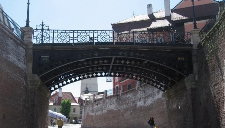 Podul Minciunilor din Sibiu își schimbă numele în Podul PSD-ului!