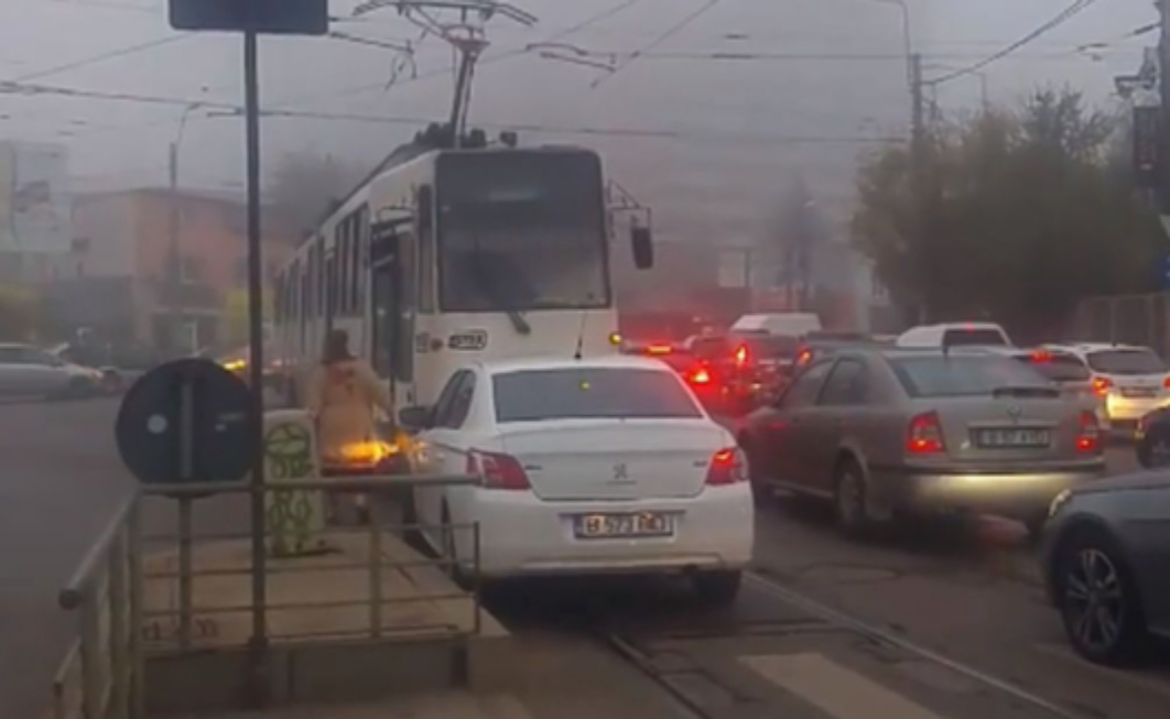 Tramvaiele care blochează circulația autoturismelor vor fi ridicate!