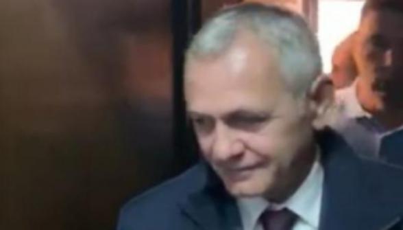 Săracul Dragnea, i s-a tocit mustața de la atâta M...PSD!