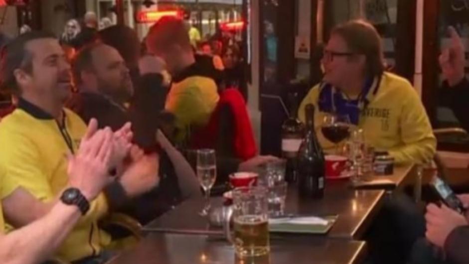 """Suporterii suedezi au învățat în Centrul Vechi două cuvinte în suedeză de care habar n-aveau, al doilea fiind """"PSD""""!"""