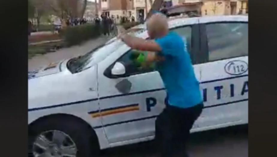 Suntem singura țară din lume unde poliția fuge când dau bombardierii cu pietre!
