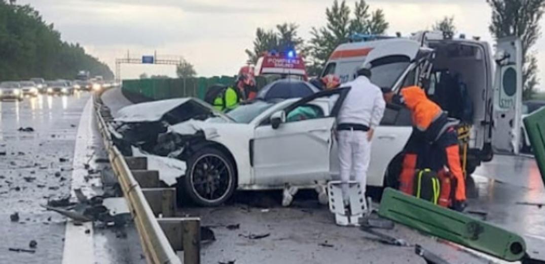 Dacă ăia 150.000 de euro dați pe acest Porsche erau munciți, se circula cu viteza legală și cu milă pentru bani. Și nu mai murea nimeni