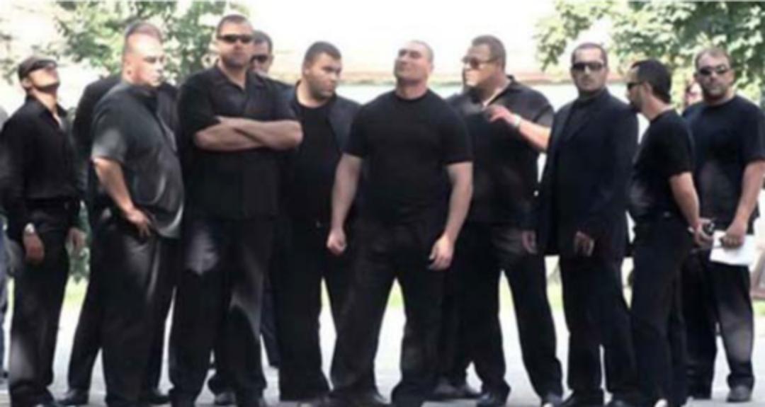 Un clan interlop a descins la Poliția Capitalei pentru un control de rutină!