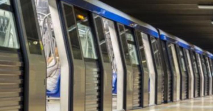 Incident la metroul din Drumul Taberei! Un conductor a lăsat trenul pe avarii la stația Romancierilor pentru a-și cumpăra o shaorma cu de toate