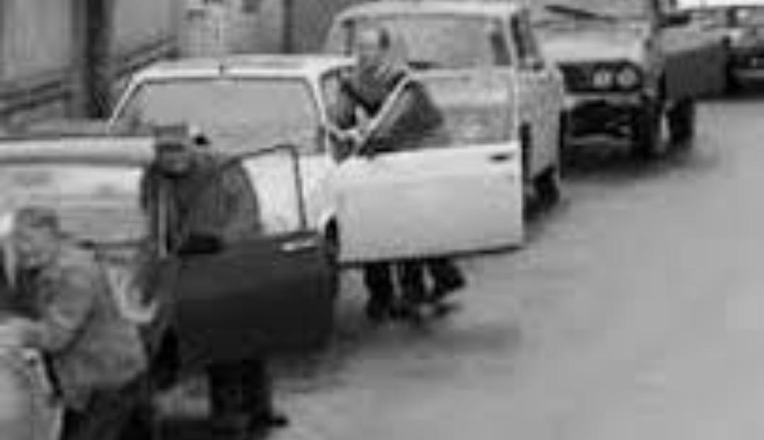 Englezii sunt cu mult în urma noastră: noi stăteam la cozi la benzină acum 30-40 de ani
