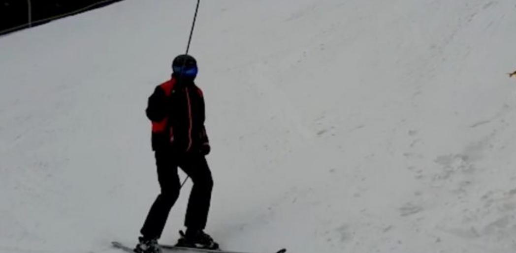 Marea problemă acum ar trebui să fie că Iohannis nu poate merge mâine la schi, fiindcă nu e sezon