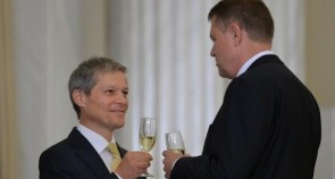 Iohannis l-a desemnat pe Dacian Cioloș premier. Ca să pice în Parlament și să rămână Cîțu până ajung toate salariile la 3000 de euro