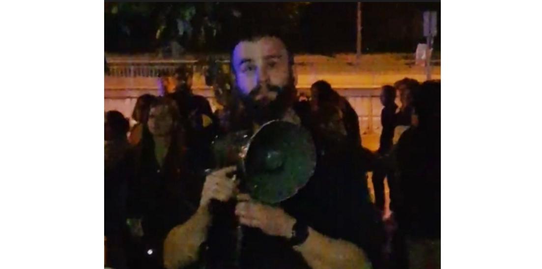 Polițistul Martin din Germania ar trebui să fie ministru în locul antiromânului Meleșcanu,că deja ne reprezintă mai onorabil