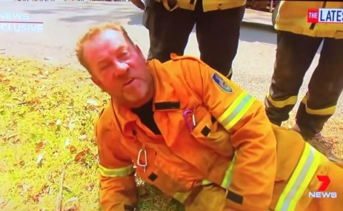 Australia are pompieri care se luptă cu focul la 60 de ani, iar la noi milițienii se pensionează la 42, că au făcut hemoroizi de la dormitul în Logan