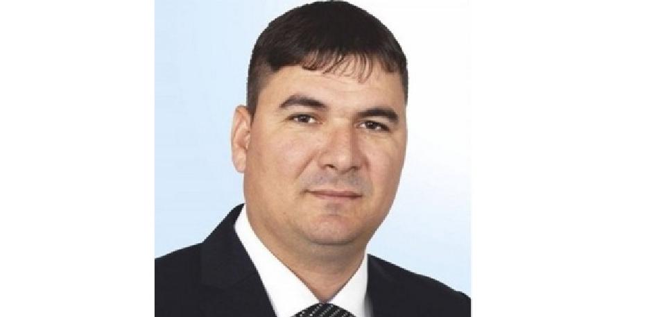 Un primar PSD din Dolj le-a tăiat apa localnicilor pentru că nu mai vor să-l voteze. Asta ca asta, dar de freză ce ziceți?