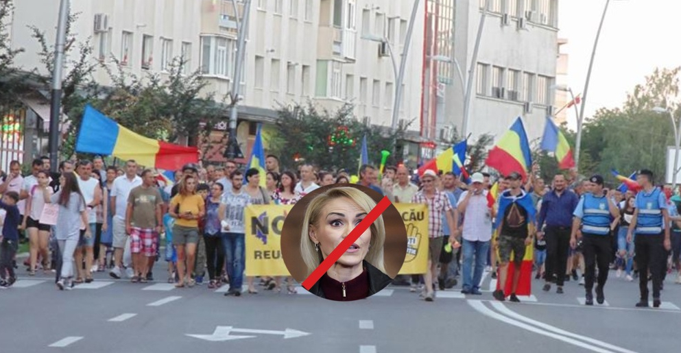 Proteste la Bacău! Oamenii cer referendum pentru ca Firea să rămână la Bucureşti!