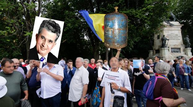 E protest la Cotroceni: fanii Antenei3 cer să se reînființeze cozile la butelii!