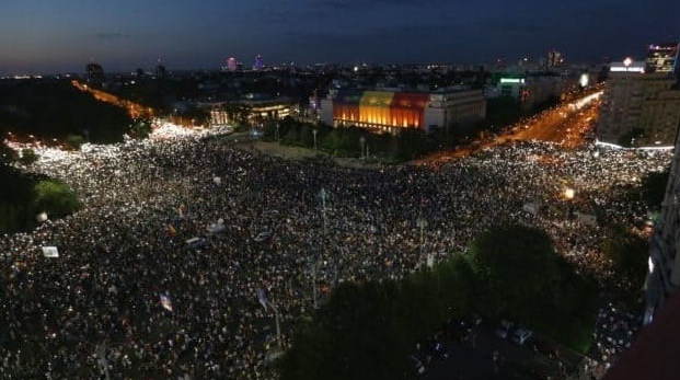 Au interzis protestele spontane. Vor M…PSD cu preludiu, cu un telefon înainte!