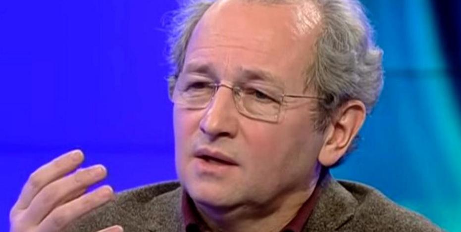 """Dan Puric: """"Suntem arestați în propria noastră țară, că așa vrea Bruxelles-ul. Ne-a băgat botniță!"""" Aiae mască împotriva răspândirii rahatului, botniță"""