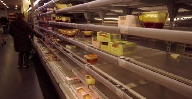 Magazinele din Marea Britanie au rămas cu rafturile goale din cauza Brexit, deci nu se mai poate fura decât pă Italia!
