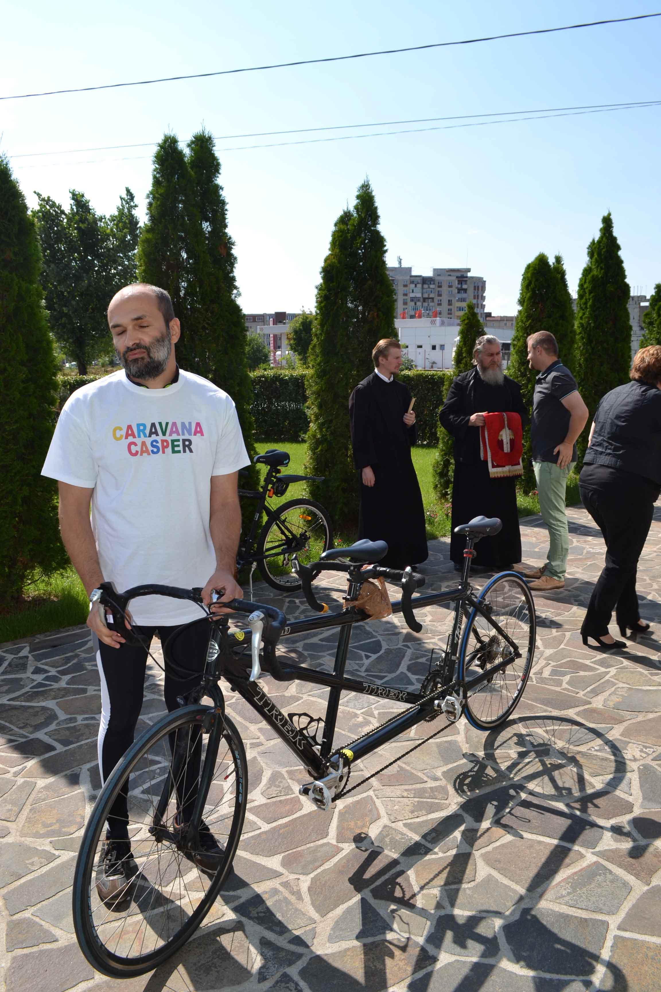 Recordmanul de viteză la volan pentru nevăzători, acum și pe bicicletă