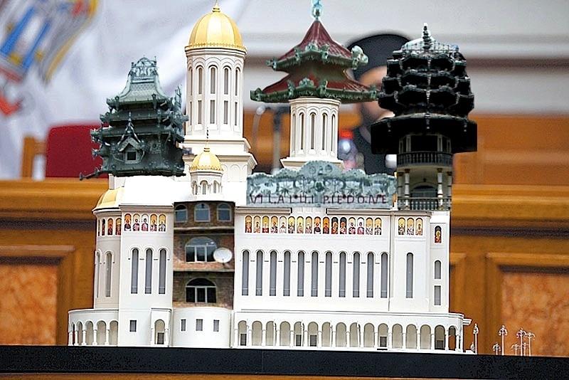 Catedrala Mântuirii Neamului va avea turnulețe!