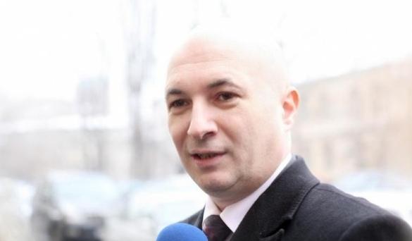 Codrin Ștefănescu, atacat pe stradă de o boală venerică după ce a fost confundat cu un penis!