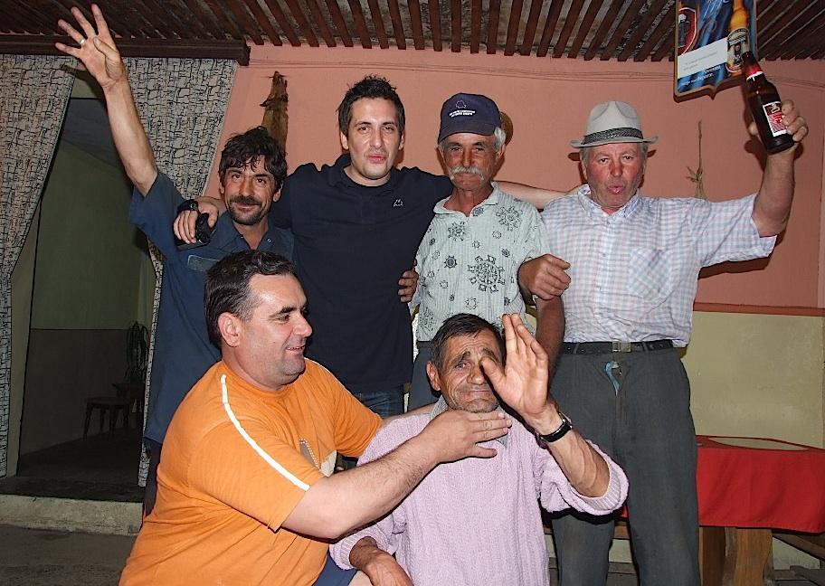 """Amintiri din reportăjie - Barul """"Dinamo"""" din Valea Ciorii, Ialomița (2009)"""