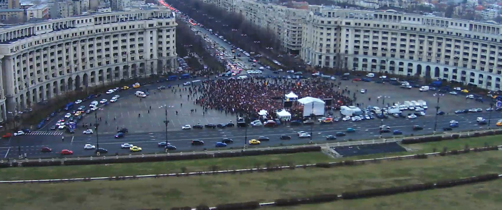 Cei 1000 de psihopați care au fost la protestul Antenei 3 nu reprezintă bătrânii din România