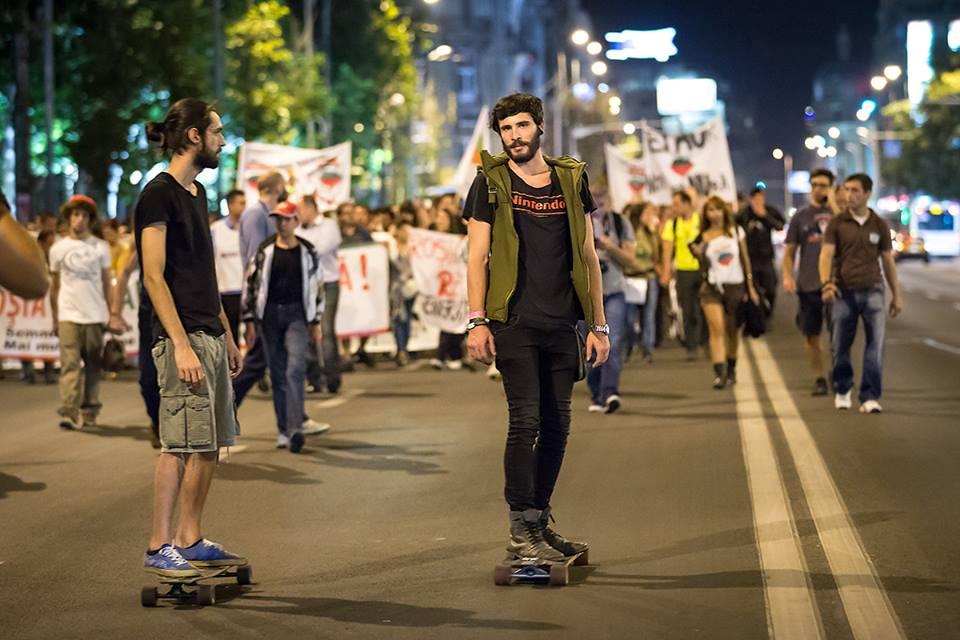 """""""Hipsterii"""" de la proteste, primii tineri adevărați de după 1990"""