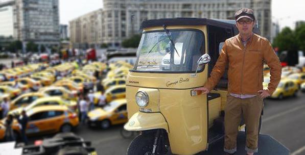 Panică printre taximetriști: după Uber, apar și pakistanezii cu ricșă!