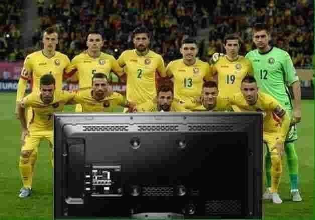 Naționala României atacă Mondialul în formula 4-4-2: 4 ore la televizor, 4 ore la LOFT, 2 ore la NUBA!