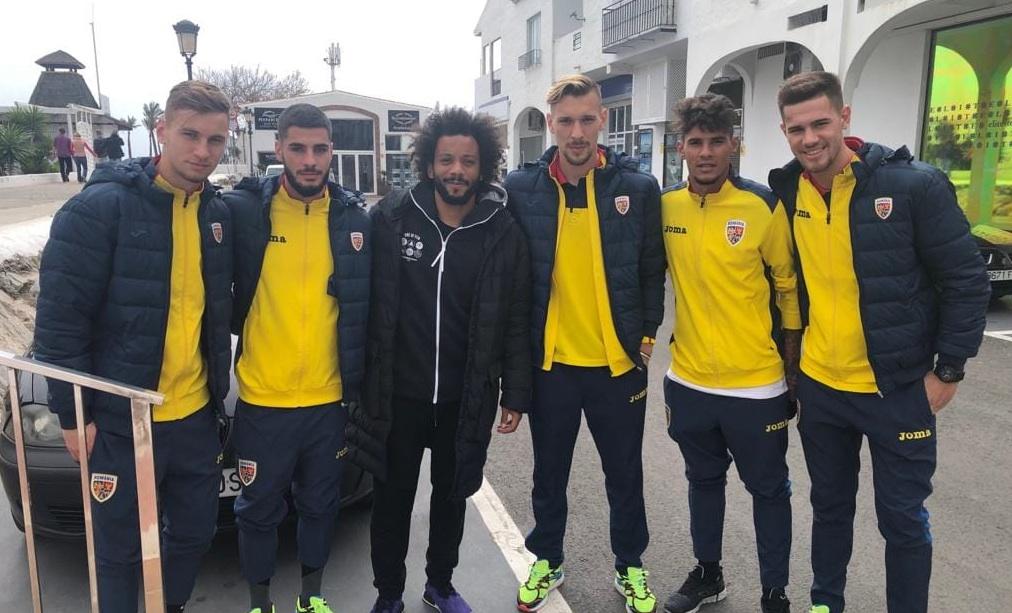 Fotbaliștii României s-au fotografiat pe stradă cu Marcelo crezând că e Kamara!