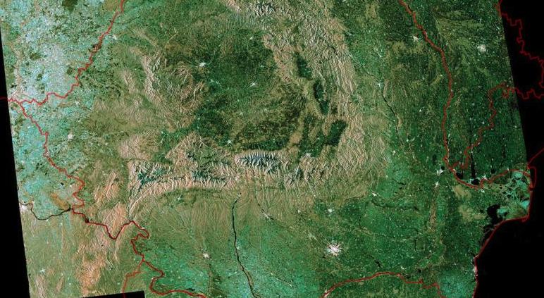 Cum arată România văzută din satelit: zici că s-a epilat de păduri pentru sedința foto!