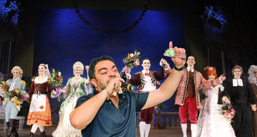 Incident la operă, la Nunta lui Figaro: un manelist s-a urcat pe scenă și a început să strige darul!