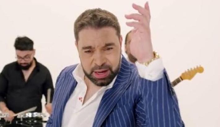 Florin Salam ia 150.000 de euro la o nuntă, iar voi vreți să vă trimiteți copiii la şcoală!