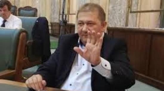 Cod maro de pușcărie pe chiloții PSD-stilor: un senator a fost adus cu mascații la DNA