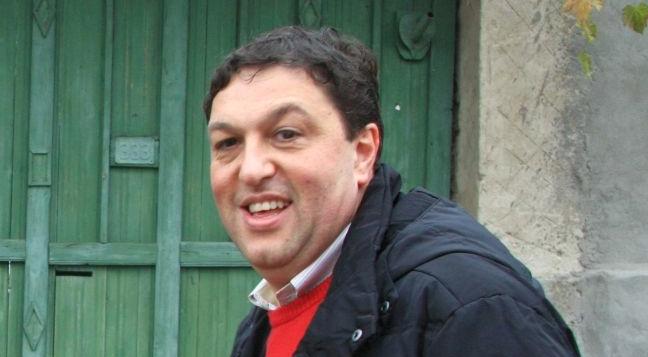 Șerban Nicolae e atât de prost că cititorul de gânduri îi face reducere